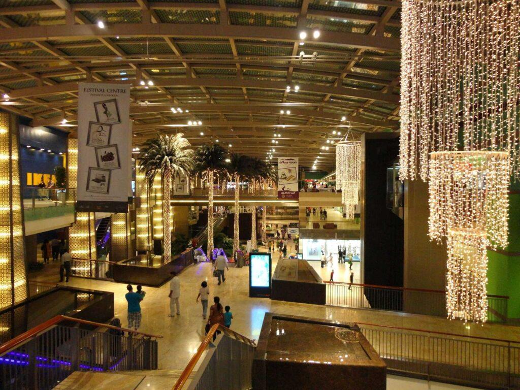 קניות ושופינג בדובאי